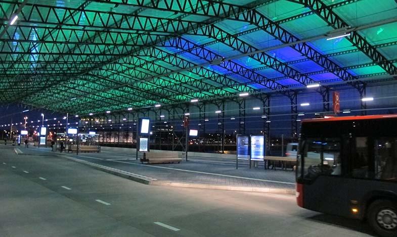 Schiphols bussterminal Foto: Lasse Kilvær