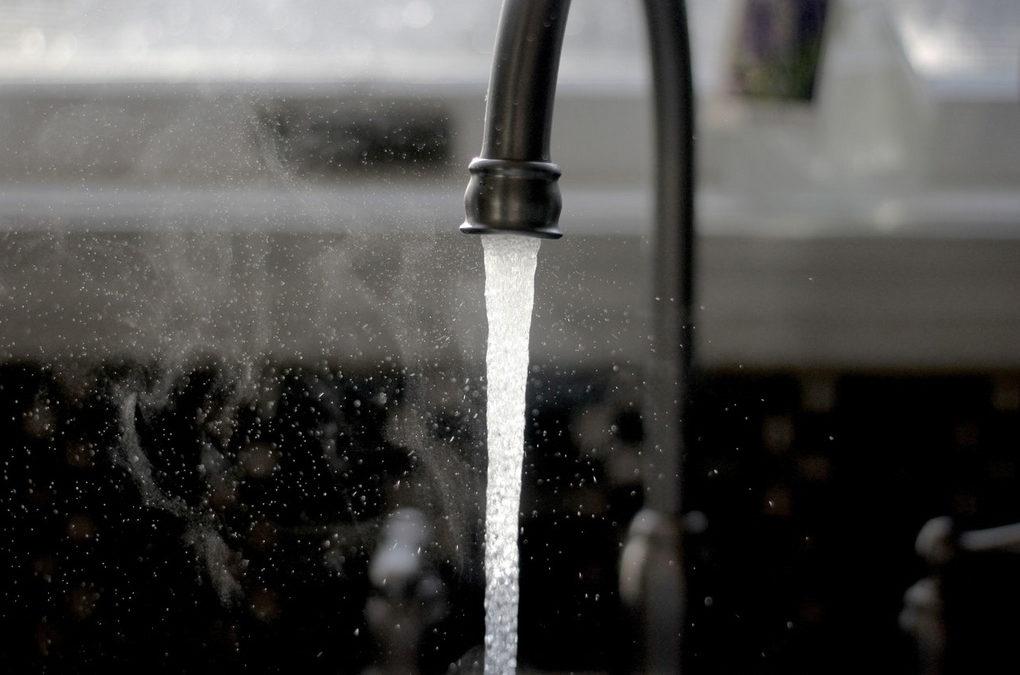 Hur hänger stål och bristen på vatten ihop?